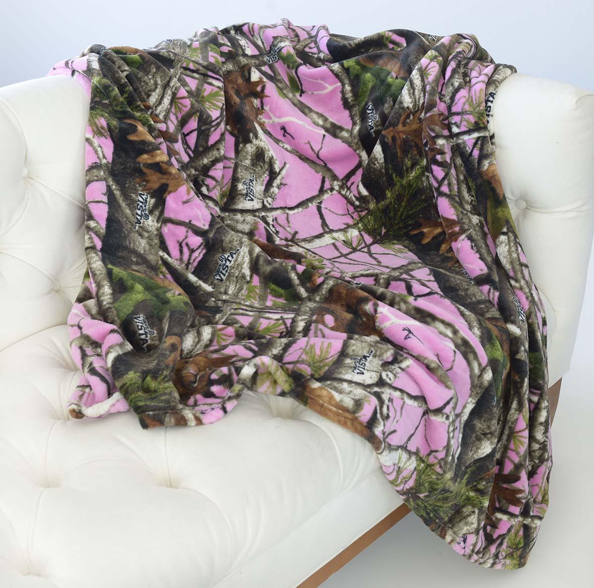 Fleece_PINK_Camo_Blanket_on_Sofa_77402_77403
